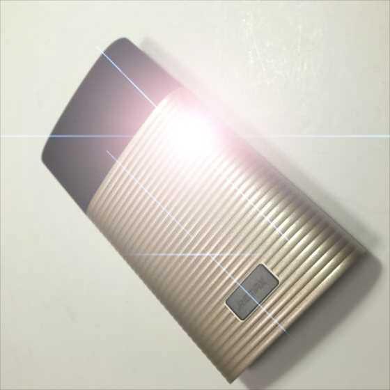 リチウムポリマーで安心!ライトニングケーブル1本で充電・給電できるお洒落モバイルバッテリーPERFUME【レビュー】