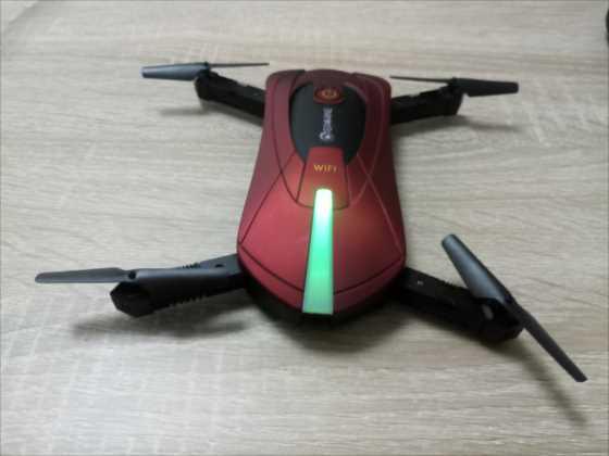 初心者向けの折り畳んでポケットに入る空撮Wifiドローン『EACHINE E52』【レビュー】